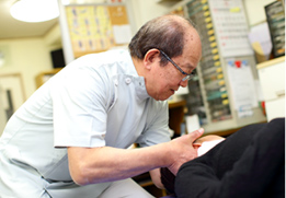 首こり・腰痛でお悩みの方は、脊髄骨盤矯正法をお試しください